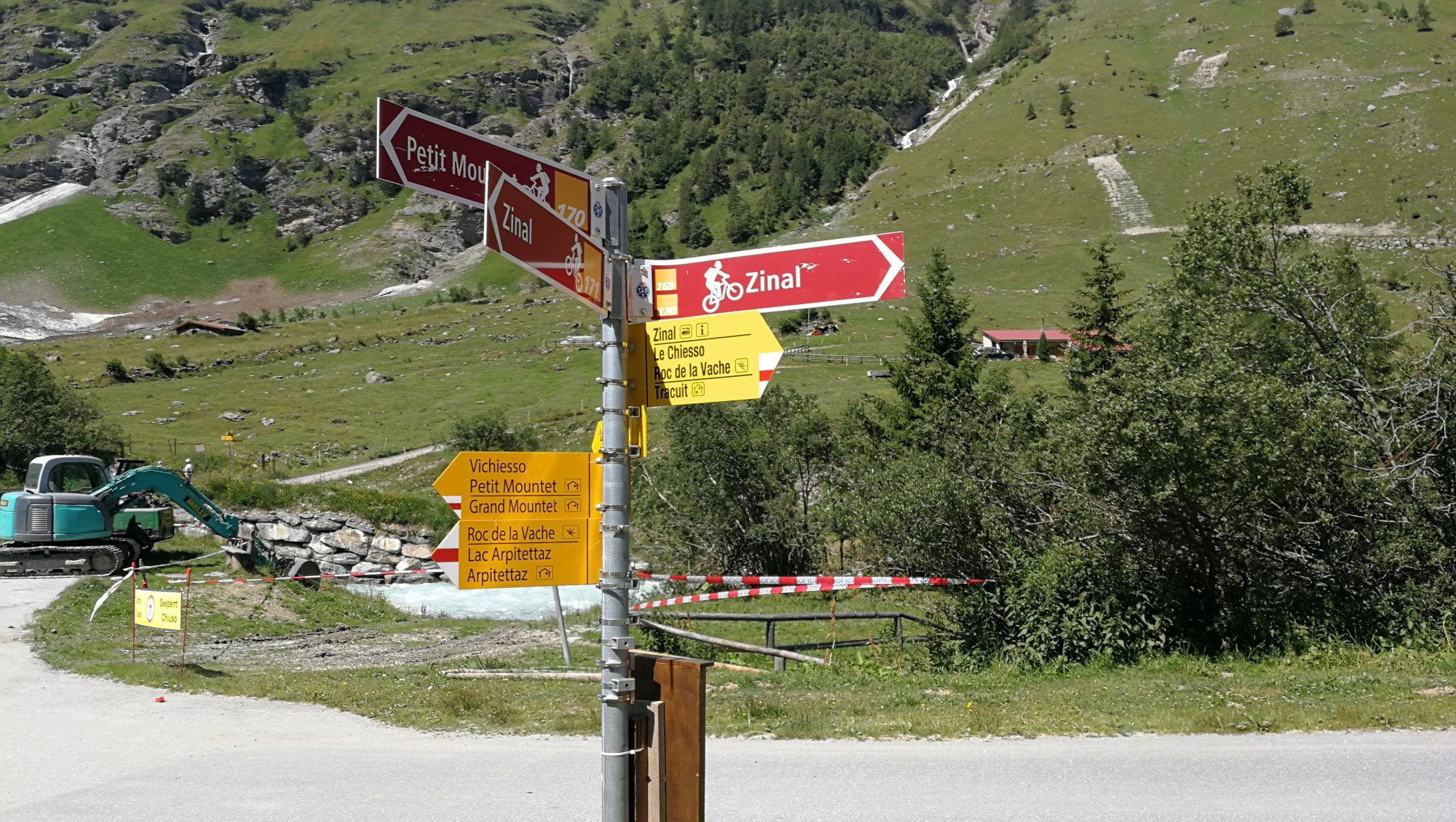 Szlaki turystyczne i rowerowe w dolinie Zinal